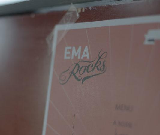 ema_rocks_03